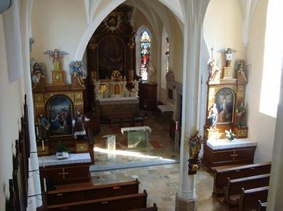 St_Veit_Kirche_innen_04